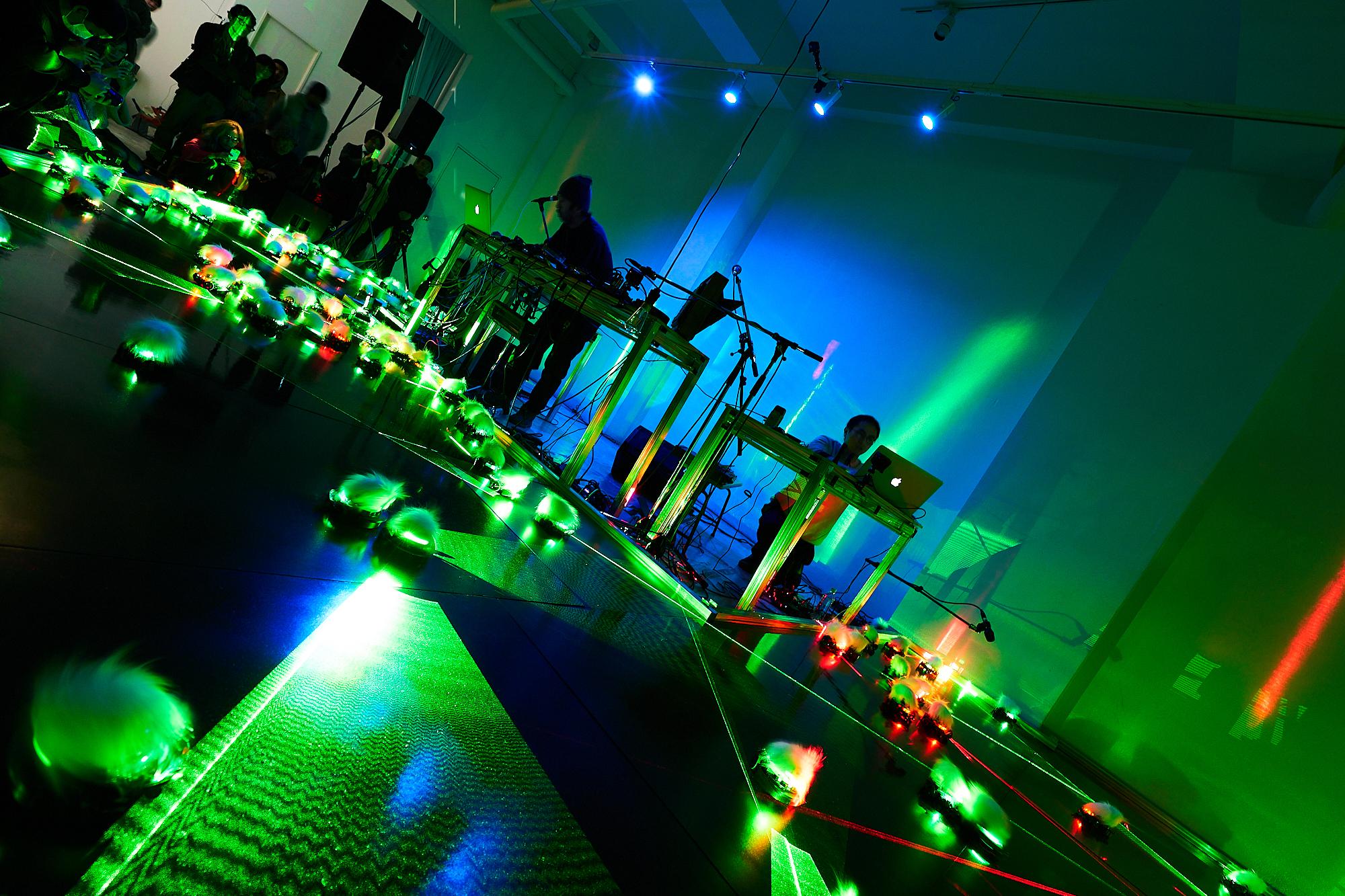 Lasermice ensembles